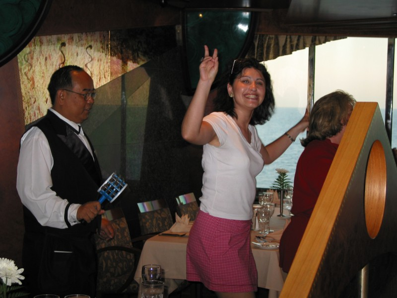 Priscilla getting in on the waiter-dancing-action!